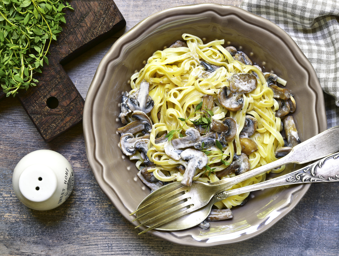 Rustic Style Tagliatelle with Mushrooms and Thyme with a Cream Sauce