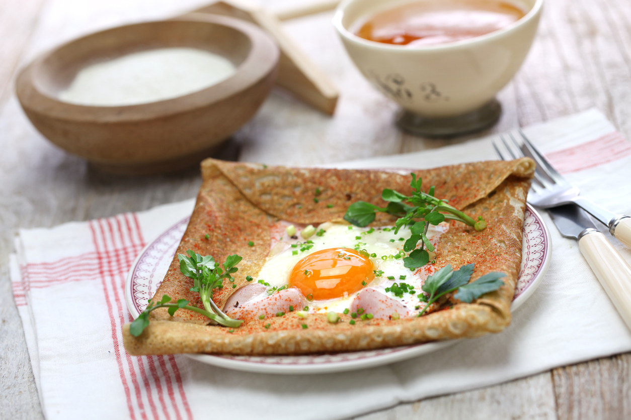 Ham, egg and cheese crepes